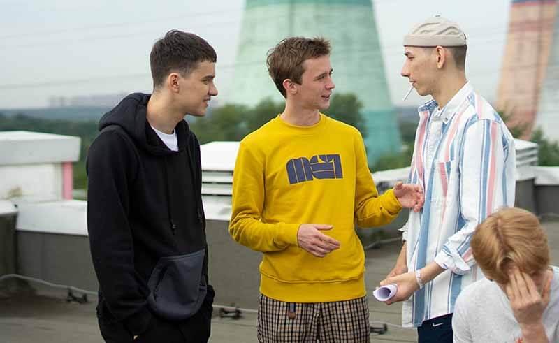 Дата выхода всех серий в России 3 сезона Трудные подростки 2021